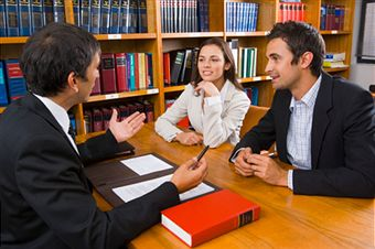 Read Informative Articles On Lawyer Consultation For Discussing Legal Issues