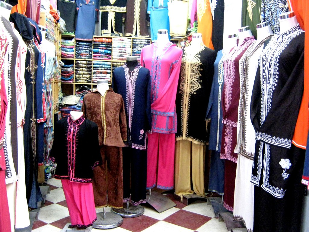 Traditional_clothing_in_Morocco-5