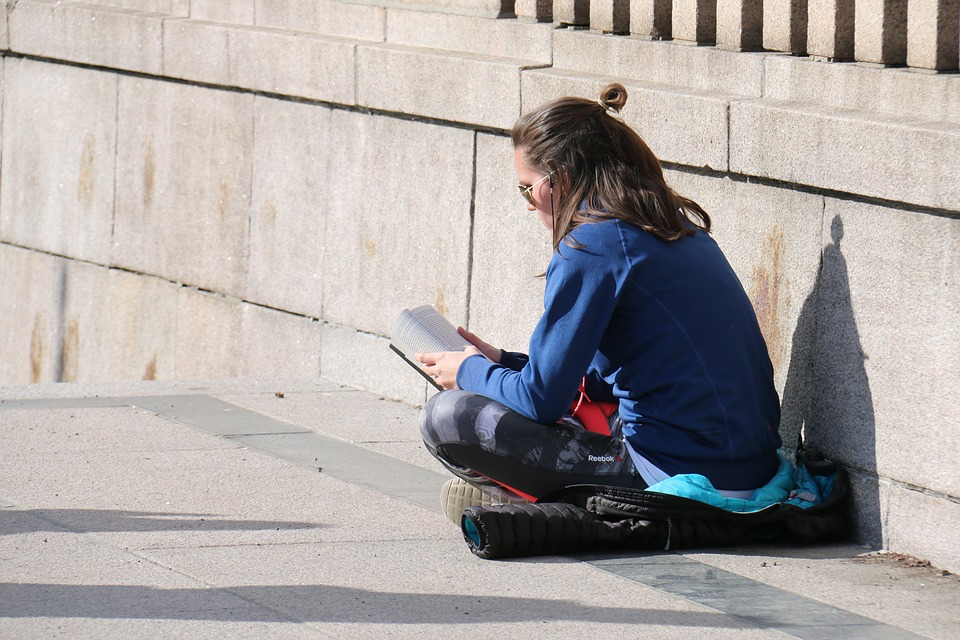 How To Balance Your Student Budget While Studying Abroad
